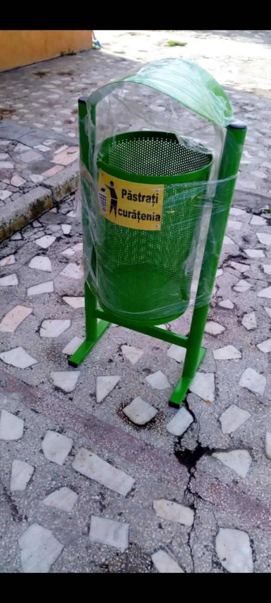 Coș gunoi  din tabla perforata