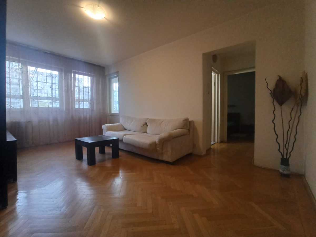 Inchiriez apartament 2 camere, cora militari, s6
