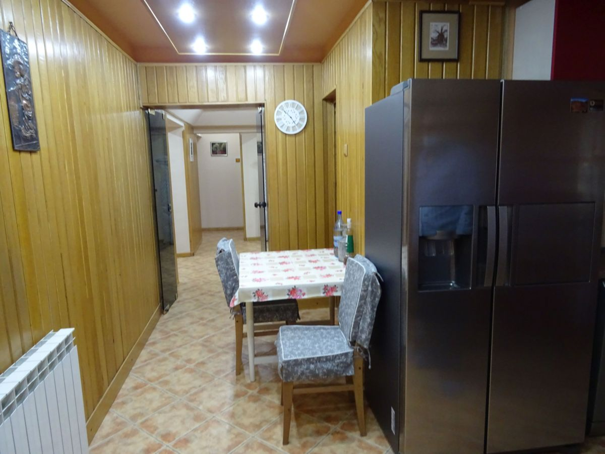 Inchiriez apartament 4 camere, ultracentral, lux
