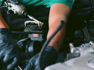 Service auto, vopsitorie, tinichigerie, mecanica