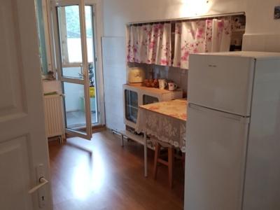 Vand apartament 2 camere in casa afi brasov