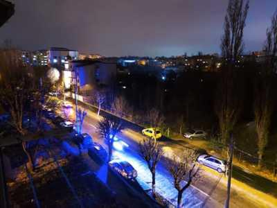 Apartament cornitoiu cu vedere la parc