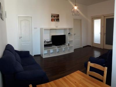 Inchiriez apartament 3 camere piata romana