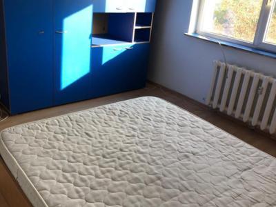 Inchirriez apartament 2 camere metrou academia mil