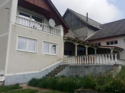 Ferma si casa cu etaj langa marghita