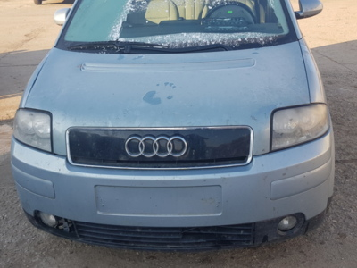 Audi a2 din 2002, motor 1.4 benzina, tip aua