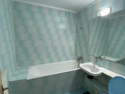 Proprietar, inchiriez apartament (75 mp) cu 3 cam