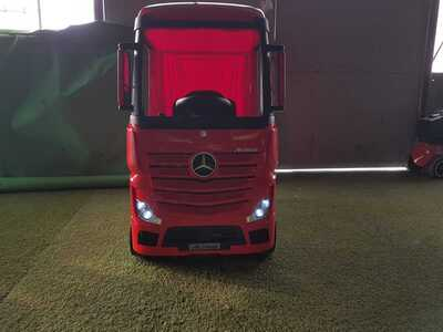 Camion electric mercedes actros red garantie 2 ani