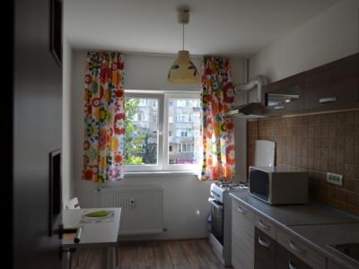 Inchiriez apartament 3 camere  la ttan