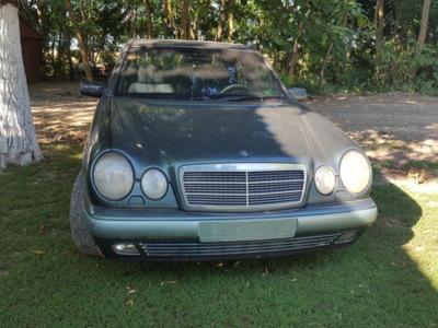 Mercedes e3000 d