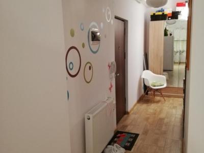 Vand apartament 2 camere la cheie (cartier de vile