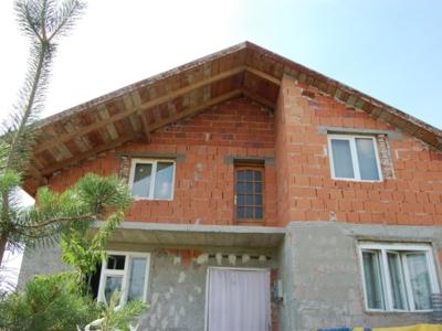 Vand casa noua cu 7 camere p+m in variasu mare