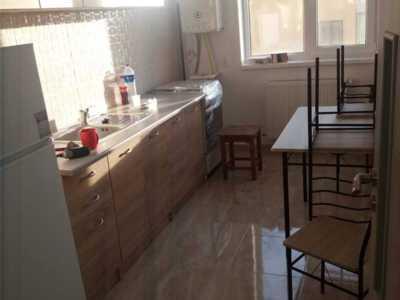 Inchiriez apartament cu două camere