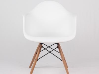 Scaun bucatarie, plastic cu picioare din lemn