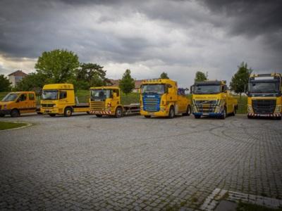 Tractari camioane si autocare