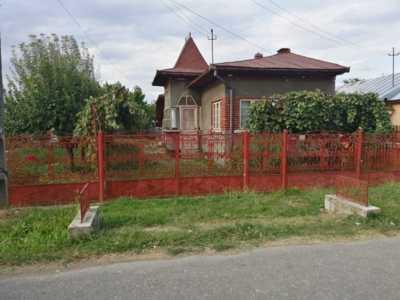 Vând casă în comuna gorgota sat crivina