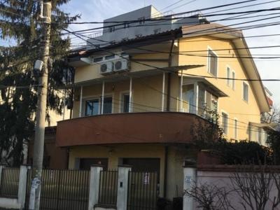 Particular,casa sector 1,zona domenii,7 camere+2 g