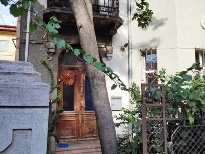 Proprietar vand un apartament in vila zona vitan