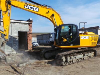 Închirieri utilaje excavare , transport