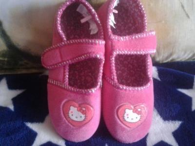 Papuci fetite