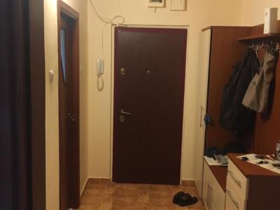 Proprietar – vând apartamen cu 3 camere titan