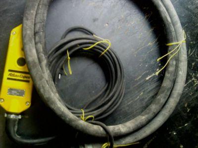 Vibrator profesional de beton pentru inchiriat