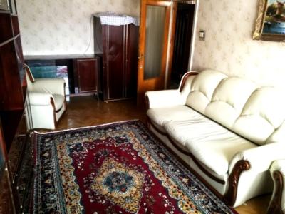 Închiriez apartament 3 camere, bistrița, central