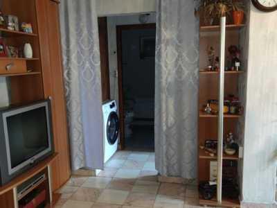 Apartament cornitoiu cu vedere la um