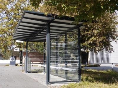Statie de autobuz / statie de autobus