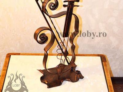 Suport pentru lumanare din fier forjat vioara.