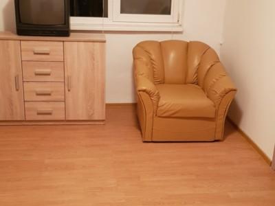 Inchiriez apartament 2 camere, interfon,  etaj 1,