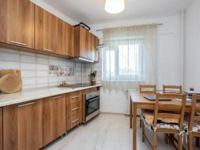 Vind apartament 3 camere dristor