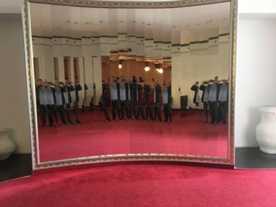 Geamuri3,4,6, placat pereți cu oglinzi