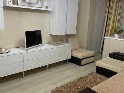 Proprietar inchiriez apartament cu 2 camere